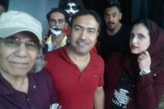 مع الدكتور حسن النخيلة خلال عرض مسرحيتي عربة موتى